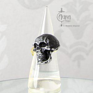 Bague gothique Llorona crâne noir mat en résine - ajustable - face