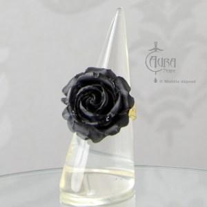 Bague gothique Llorona fleur noir mat en résine - ajustable - face