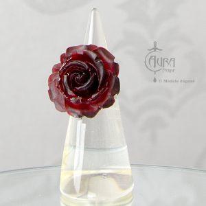 Bague gothique Llorona fleur sombre rouge en résine - ajustable - face