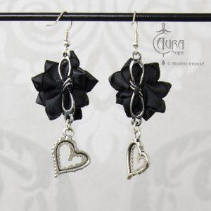 Boucles d'oreilles gothique fleur en tissu Murmur - noir dos