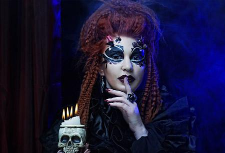 Maquillage gothique halloween - Aura Noire