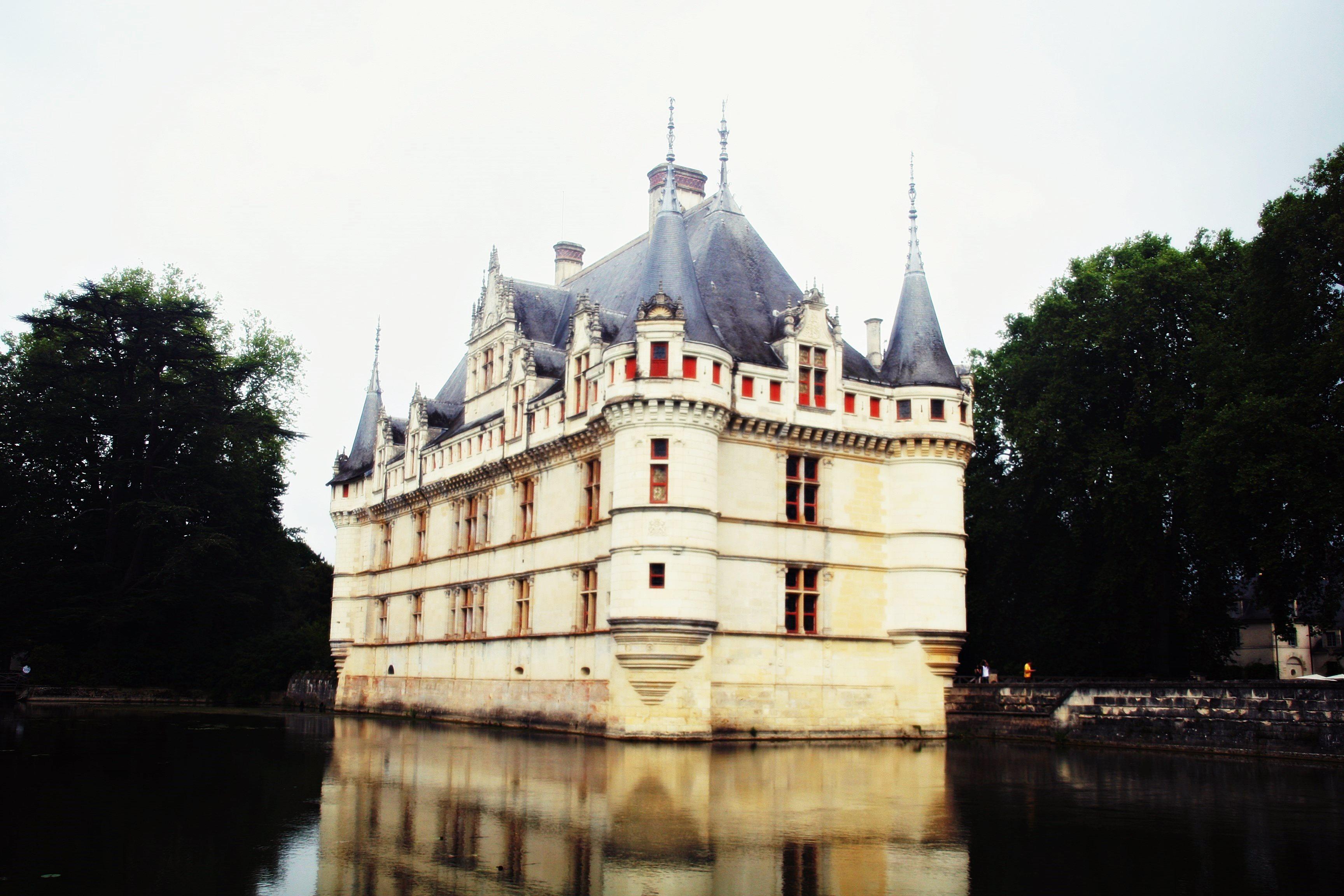 Azay Le Rideau Les Chateaux De La Loire