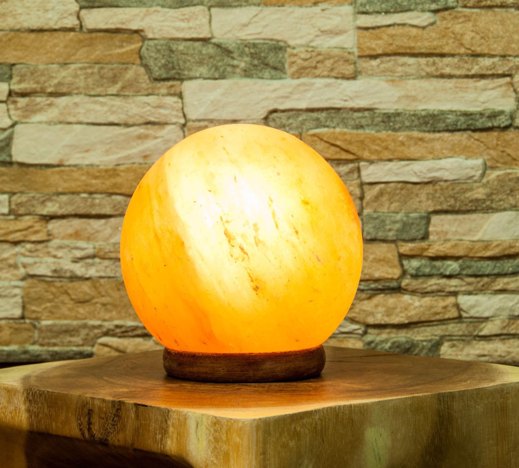 salz kugel lampe aurelies hexenladen. Black Bedroom Furniture Sets. Home Design Ideas
