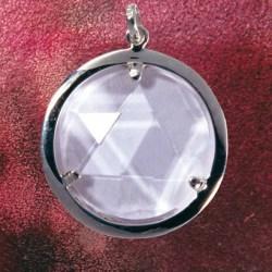 Bergkristall-Medaillon - ein Schutzschild