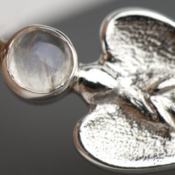 Engelanhänger 27 mm mit Mondstein