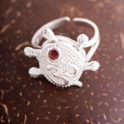 Schildkröte/OM Ring mit Rubin
