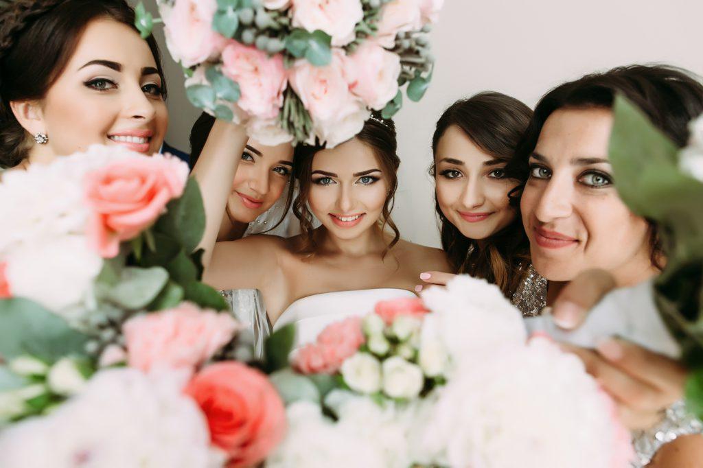 Aufgaben Trauzeuge und Brautjungfern alles was ihr dazu Wissen solltet  Hochzeitsratgeber