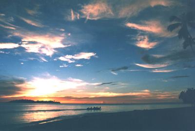 Tramonto dalla spiaggia di Gangga Island