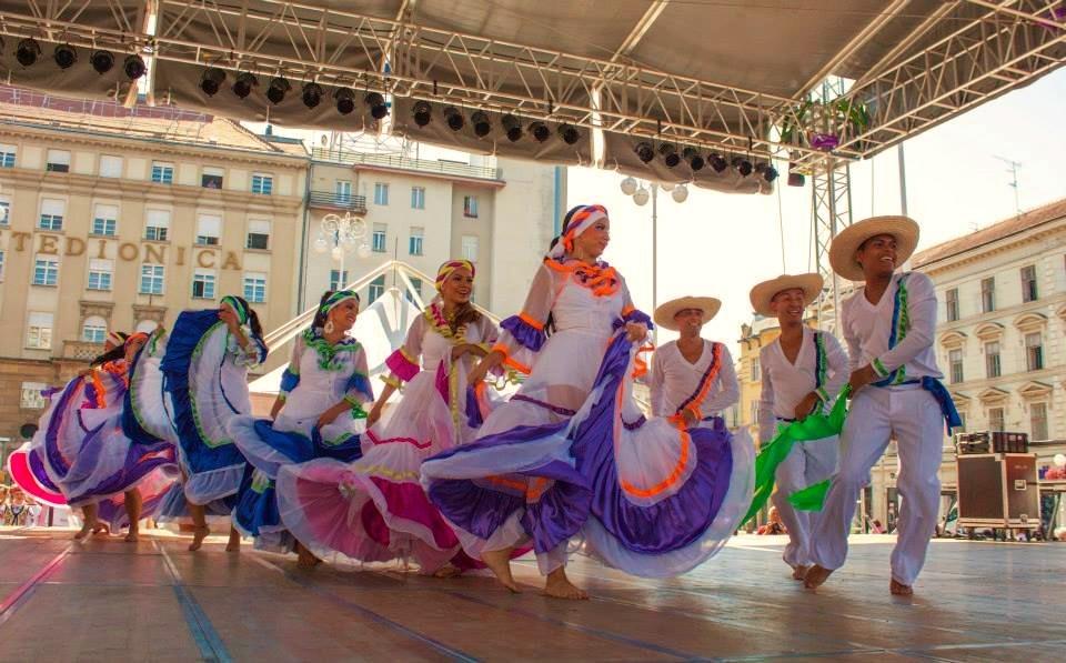 folkore festivas tours europe