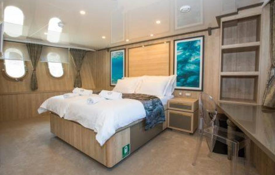 one way cruise croatia dubrovnik split cabin