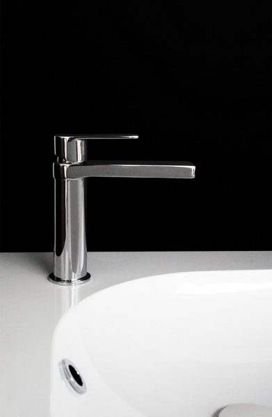 Jamie.J Cosmopolitan Basin Mixer Profile Chrome 391x600