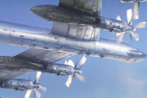 Resultado de imagen de bombarderos rusos Tu-142