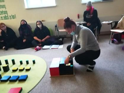 Berufliche Schule Paula Fuerst_Erzieher_Montessori-Paedagogik_Sinnesmaterial_3