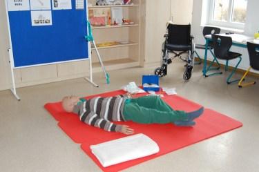 Erwachsene Puppe für Übung Pflegesituationen
