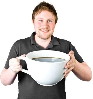Große Tasse Kaffee : die gr te kaffeetasse der welt als geschenk f r koffein junkies ~ A.2002-acura-tl-radio.info Haus und Dekorationen