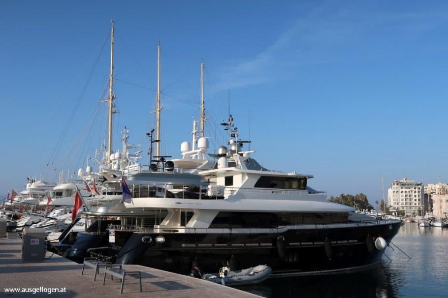 Cannes Yachthafen