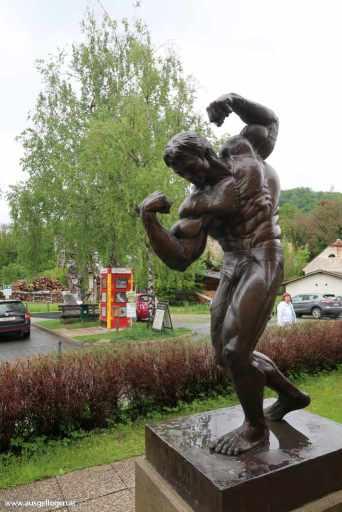 Arnold Schwarzenegger Statue Thal bei Graz