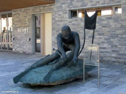 Statue Hermann Maier Flachau
