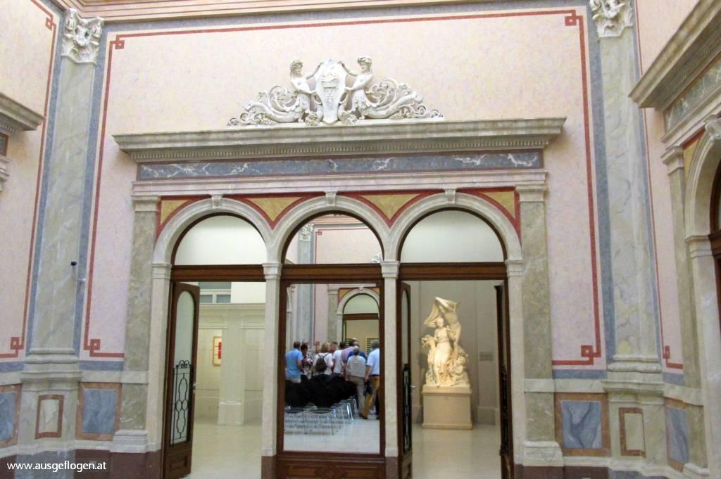 Baden Sehenswürdigkeiten Arnulf Rainer Museum
