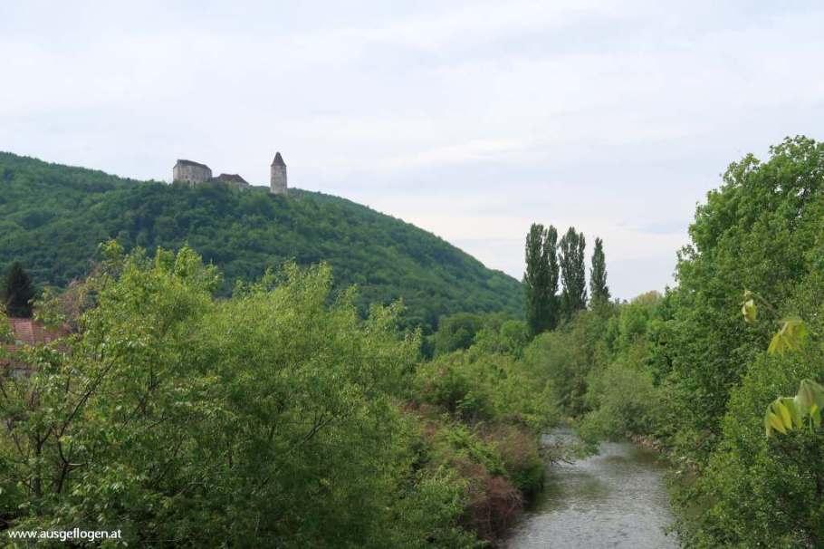 Thermenradweg Aspang Blick Burg Seebenstein und Pitten