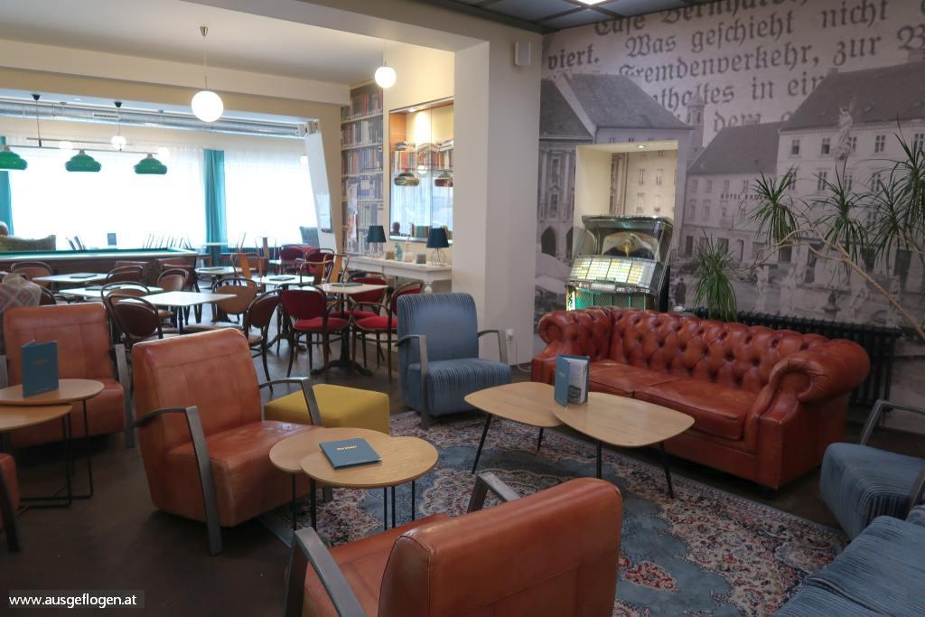Cafe Bernhardt