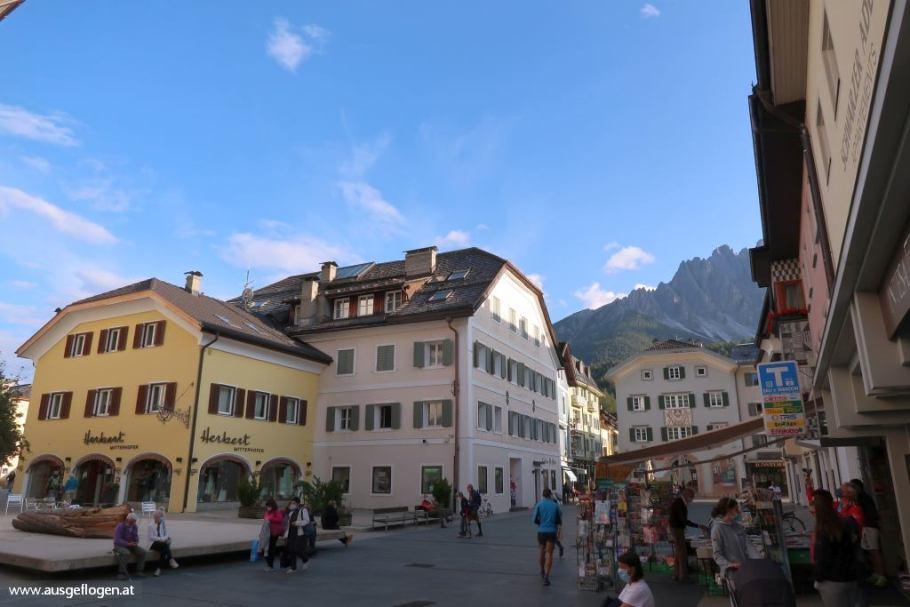 Fußgängerzone Altstadt Spaziergang Innichen San Candido