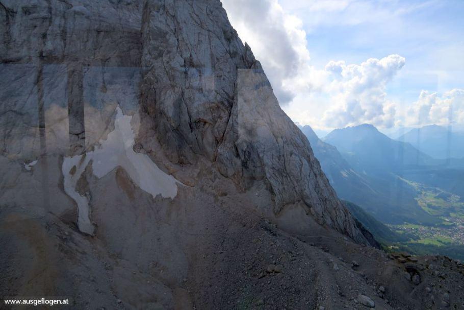 mit der Tiroler Bahn auf die Zugspitze fahren