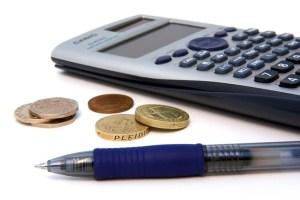Wie werden Falschgeldprüfer getestet?