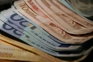 Wieso sind die Geldanlage Zinsen in der Schweiz höher Wieso sind die Geldanlage Zinsen in der Schweiz höher im Vergleich??