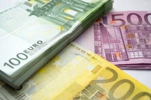 Wie lange dauert es, wenn ich Geld aus Dubai nach Deutschland überweisen im Vergleich?