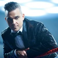 ROBBIE WILLIAMS GETS MIXED SIGNALS IN NEW VIDEO
