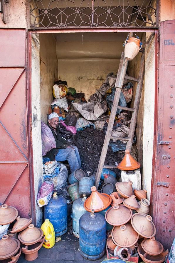 Tajine Laden im Souk von Marrakesch