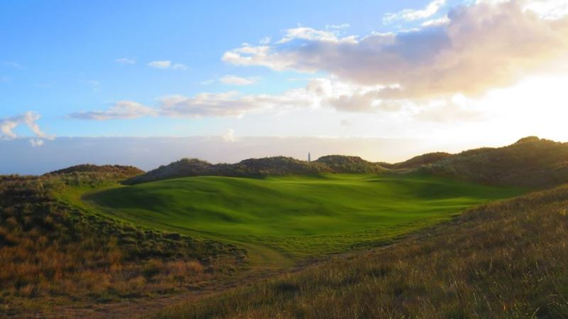 The curious par-3 7th hole at Cape Wickham which will leave you wanting to pay it again and again. Photo source: capewickham.com.au