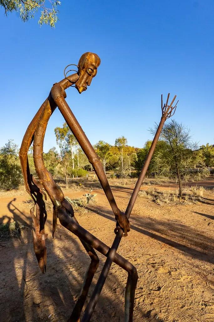 Esculturas en el jardín botánico de color rosa oliva