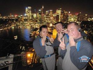 harbour bridge climb sydney by night