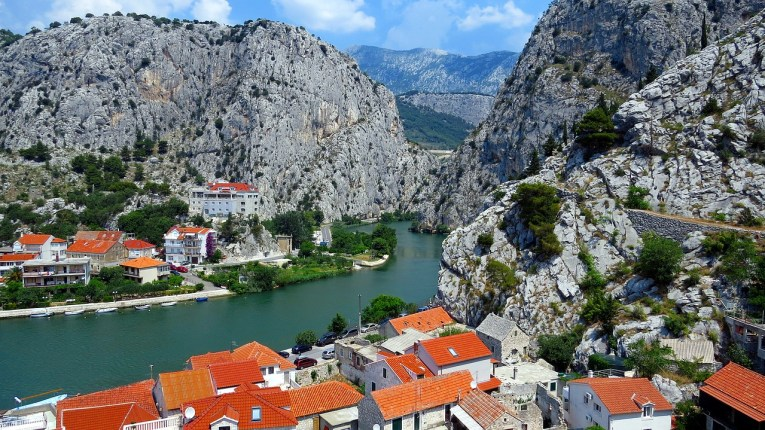 cetina river things to do in split
