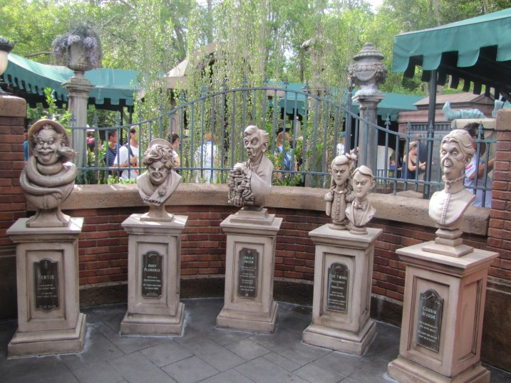 Haunted Mansion queue