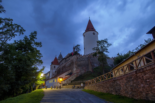 A castle outside of Prague as evening falls. Photo by Porechnyy Dmitry