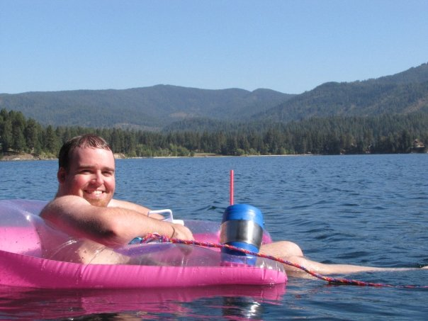 Just chilling out in Lake Coeur d'Alene with a Bubba Keg and some trail mix.