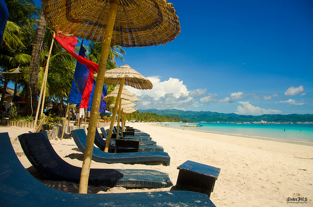 I'll be sunning myself on the Boracay beaches in a shade over a fortnight. Photo by Lister FilSan