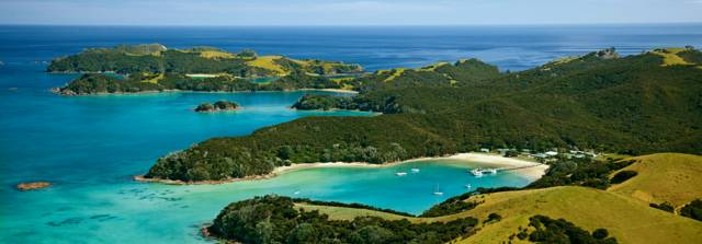The Bay of Islands is just how you imagine tropical islands in the Pacific.