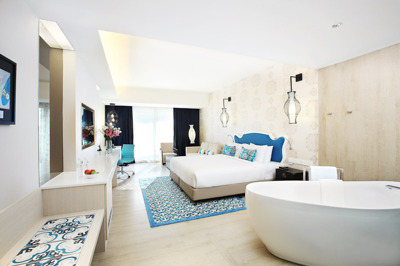 village hotel katong room bathtub