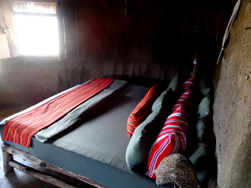 africa amini bedroom