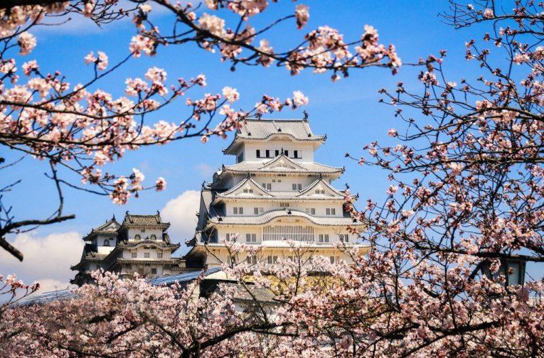 19 - Himeji Castle