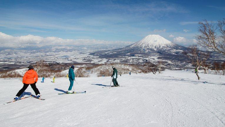 8 - Skiing in japan