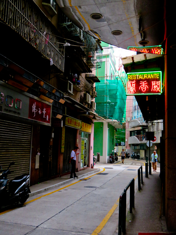 macau one day itinerary old town local restaurant