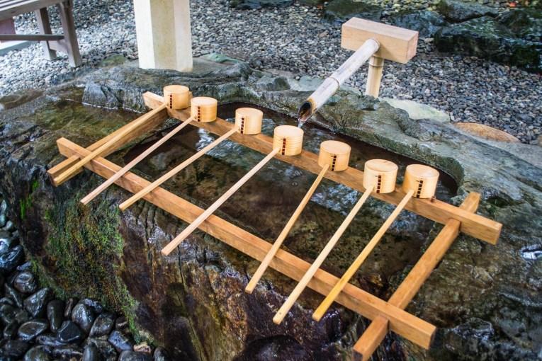 kumano kodo itinerary shrine washing hands