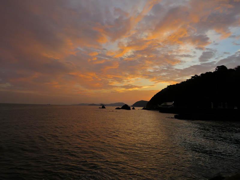 kumano kodo iseji futami beach sunrise