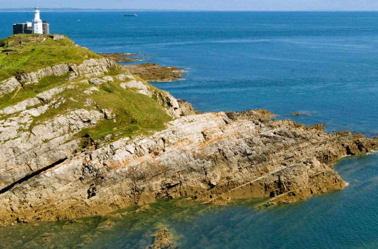 mumbles lighthouse swansea uk road trip