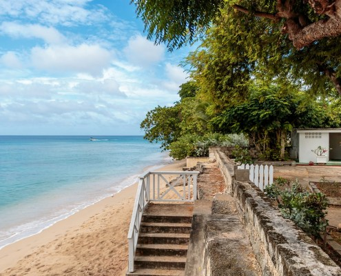 benefits of investing in overseas property